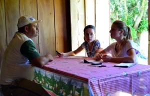Leila e Leticia em entrevista com Natifio Gardelin.